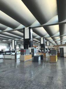 静まりかえったバンガロール空港1