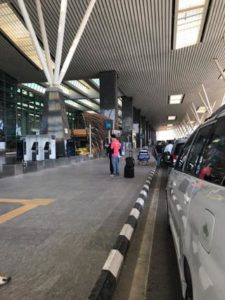 静まりかえったバンガロール空港2